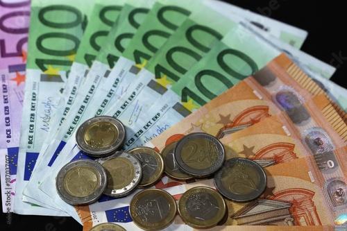 Eurobanknoten Euroscheine Und Münzen Stockfotos Und Lizenzfreie