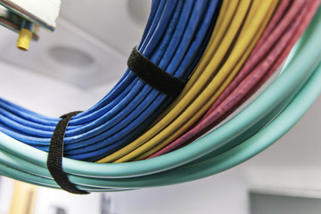 Structured cabling for fiber-optic networks