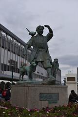 岡山駅の桃太郎の銅像
