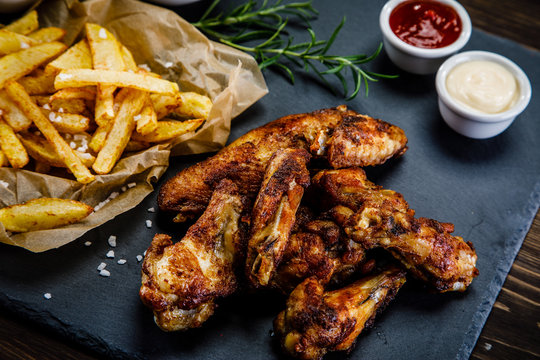 Kentucky wings with French fries