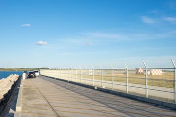 下地島空港17エンド脇の道路