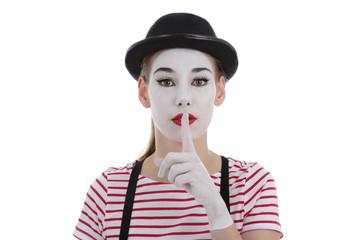 jeune fille mime maquillage blanc théâtre mimant chut
