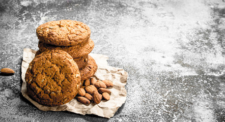 Oatmeal cookies with almonds.