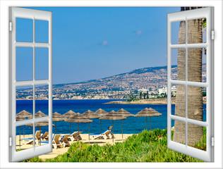 okno z widokiem na plażę