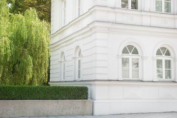 Altbau - Villa und Garten