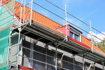 Building with professional heat-insulation