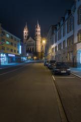 Hagenstraße Worms bei Nacht mit Blick auf den Dom