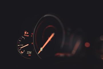 Car electronic fuel gauge