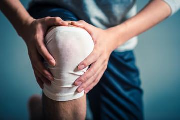 男性 足 膝の痛み