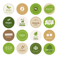 organic natural label and tag bannner. badge and ribbon green color.