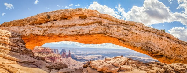 Aluminium Prints Salmon Mesa Arch panorama, Canyonlands National Park, Utah, USA