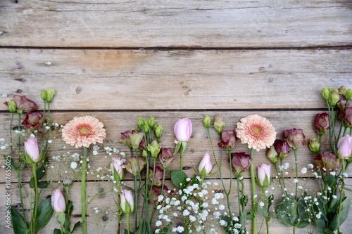blumenstrau fr hlingsblumen gerbera rosen stockfotos und lizenzfreie bilder auf fotolia. Black Bedroom Furniture Sets. Home Design Ideas