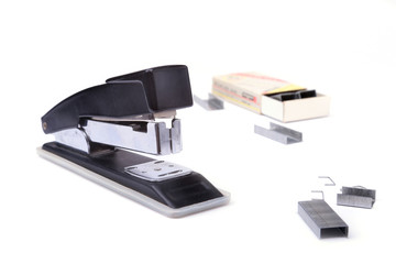 The stapler is used in the office to manually connect paper.