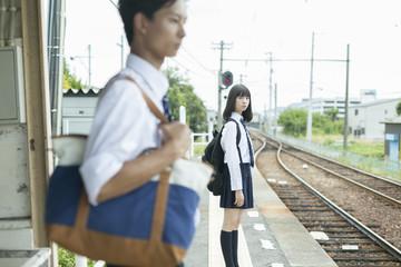 高校生と駅