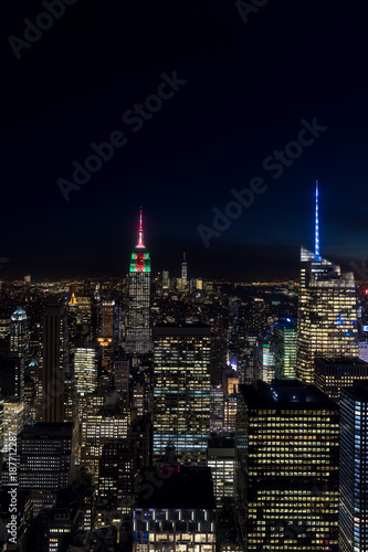 Fototapete New York City skyline aerial panorama view at night with  Times Square and skyscrapers of midtown Manhattan.