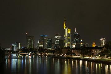Frankfurt Main bei Nacht