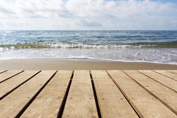 Holzboden leer mit Strand Hintergrund