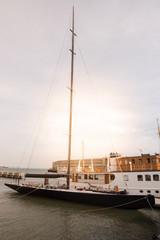 ancien bateau de l'américa's cup à San Francisco