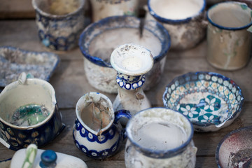 Boleslawiec ceramics - destroyed ceramics - art