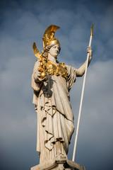 Pallas Athene vorm Parlament in Wien