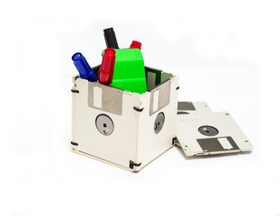 creative uses for the obsolete floppy disk - Developing a box for use