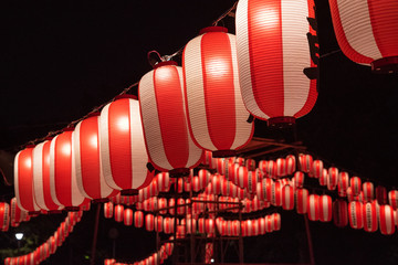 Japanese festival paper lanterns at night 夏祭りの提灯