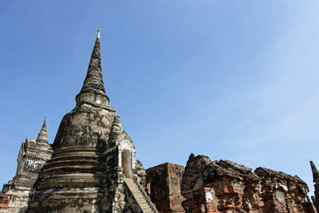 Photo of the main and sub temple of Wat Phra Si Sanphet in gorgeous view.