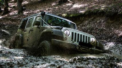 Muddy Jeep 2