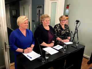 Norwegian Prime Minister Solberg of the Conservative Party, Finance Minister Jensen of the Progress Party and Liberal Party leader Grande announce an expansion of the government in Moss