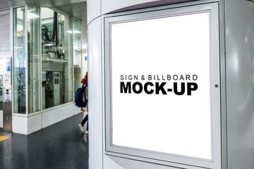 Mock up blank signboard on metal pole