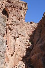 Kleine Seitenschlucht im Siq von Petra in Jordanien