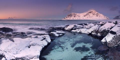 Fototapete - Alpenglow at Skagsanden beach on the Lofoten, Norway