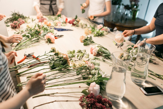 Master class on making bouquets. Summer bouquet. Learning flower arranging, making beautiful bouquets with your own hands