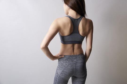 女性 ワークアウト 筋肉
