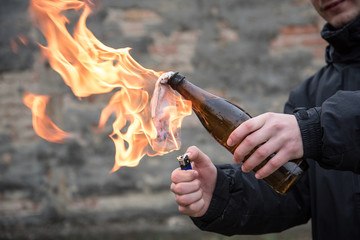 Man attack with molotov cocktail