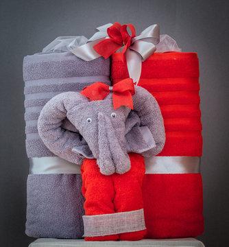 Ręczniki uformowane w słonie