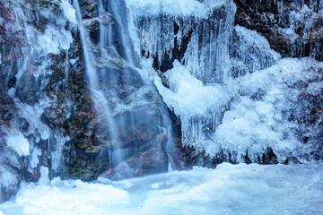 Wall Murals Waterfalls 凍る払沢の滝