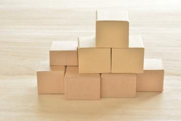 積み上げた箱