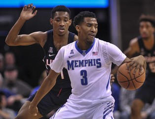 NCAA Basketball: Connecticut at Memphis