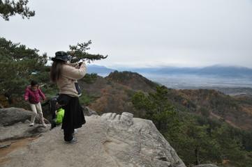 山頂 写真撮影 眺め 展望 登山 ハイキング