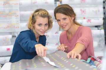 customer buying table cloth