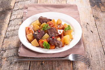 beef with potato and carrot
