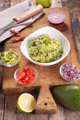 guacamole with ingredient