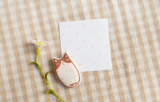 Little Empty Paper with Pink Dot for Note, Write Message with Figure Cat and White Flower on Scott Fabric Pattern
