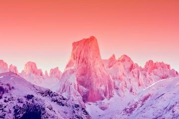 Foto auf Leinwand Rosa hell Naranjo de Bulnes at dawn in Picos de Europa.