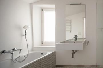 Modern bathroom with floor tiles