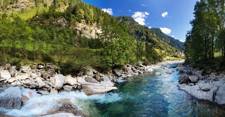 Printed kitchen splashbacks River View of the village of Rossa in the Grisons