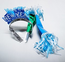 Tiara and two horn party favors