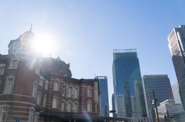 東京駅 太陽 逆光 フレア