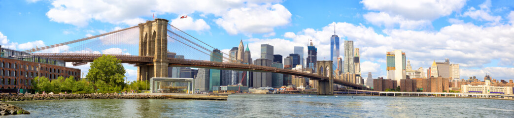 Tuinposter Brooklyn Bridge New York City Brooklyn Bridge panorama with Manhattan skyline
